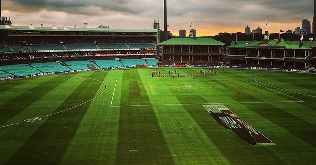 IPhone you're not too bad! Filming at #sydneycricketground. Funny weather, please don't rain! . . . . . #landscape #photography #landscapephotography #filming #iphone #apple #iphonephotography #sydney #cricket #footy #nrl #stadium #iphonex