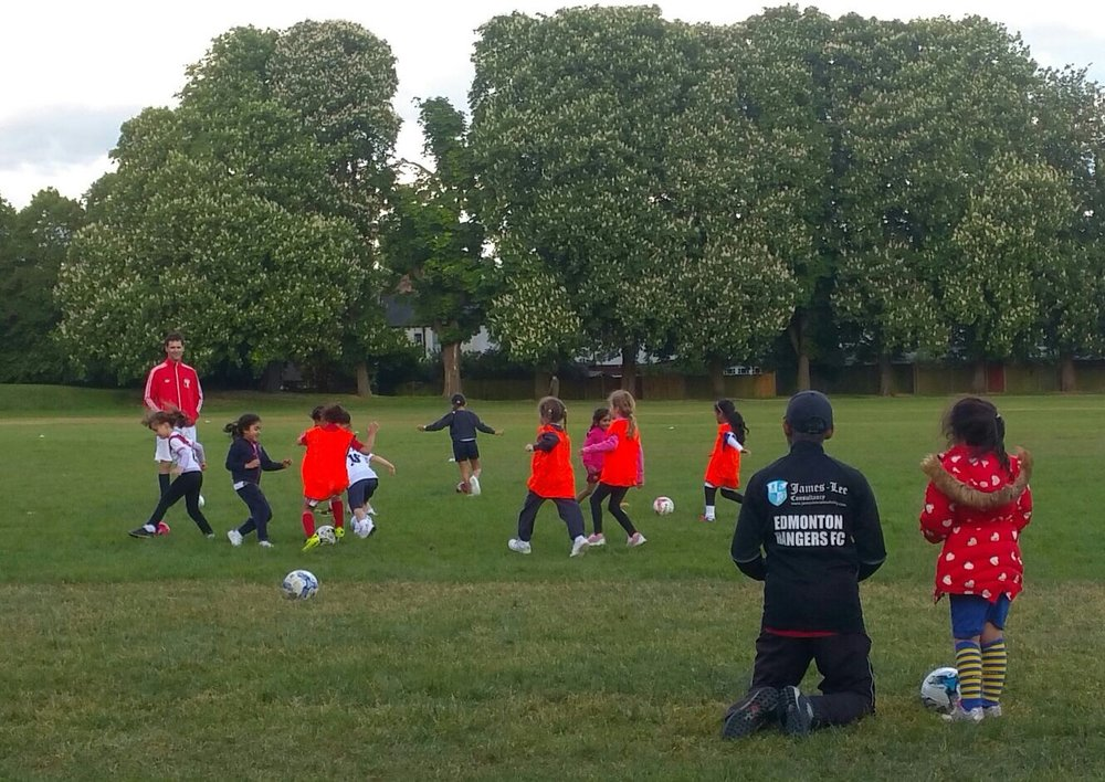 Edmonton Rangers Cheetahs - U7 Girls development team - fun football sessions for 5 & 6 year olds