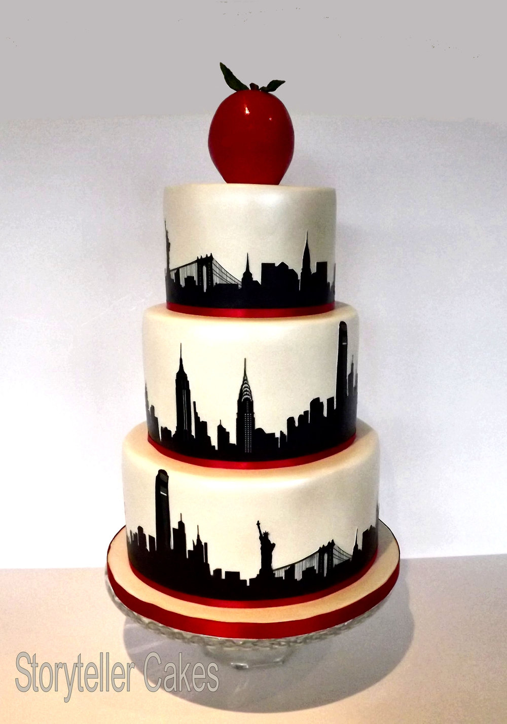 new york silloutette cake - watermark.jpg