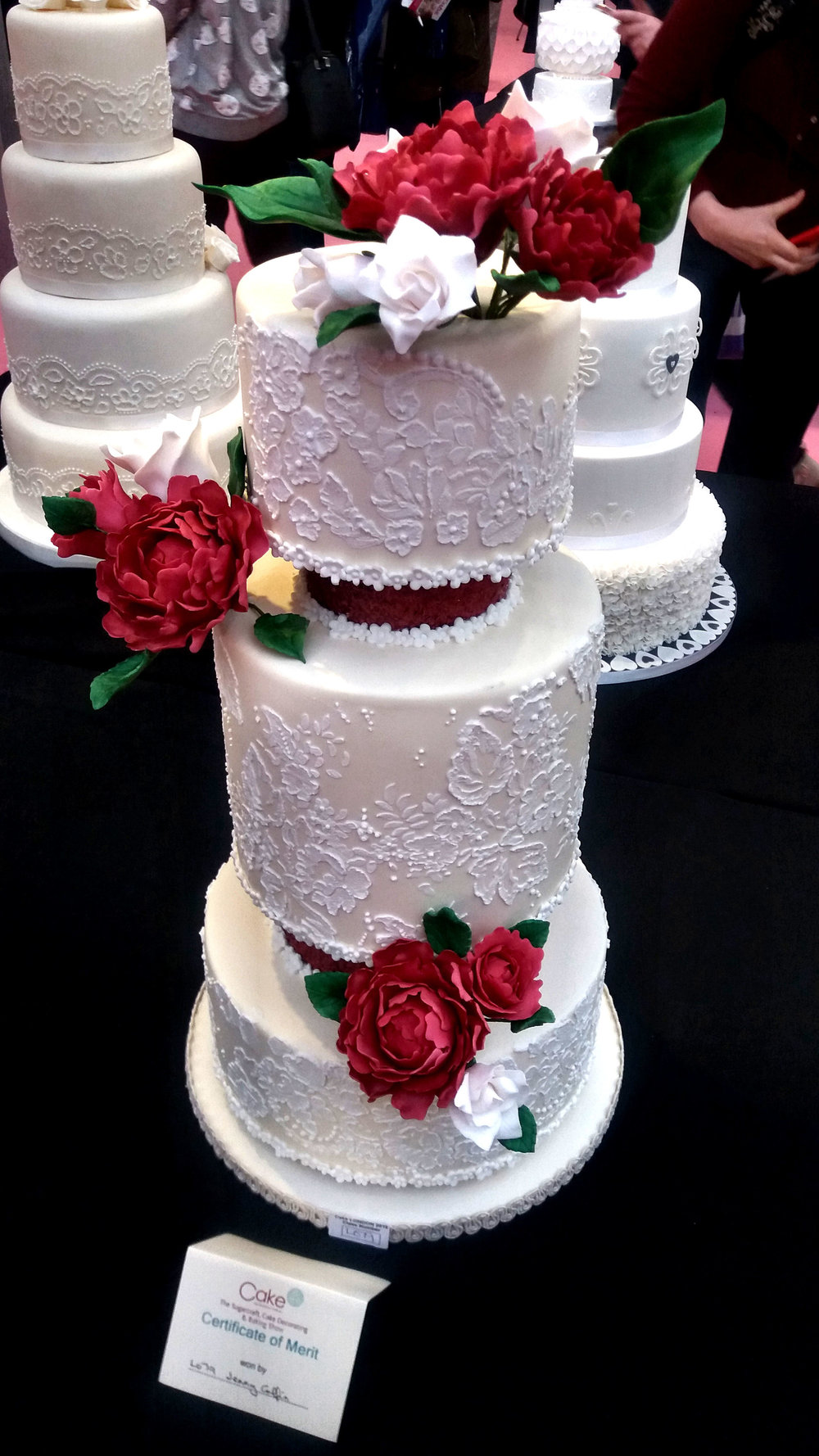 floral piped wedding cake.jpg