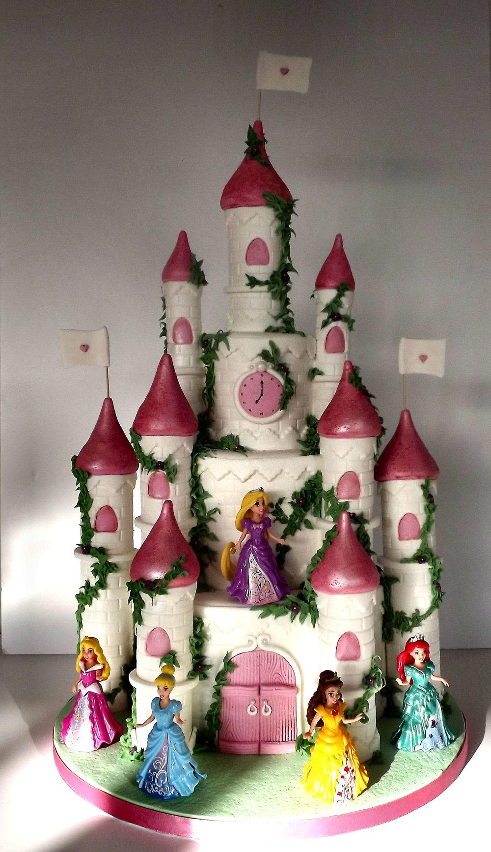 castle cake2.jpg