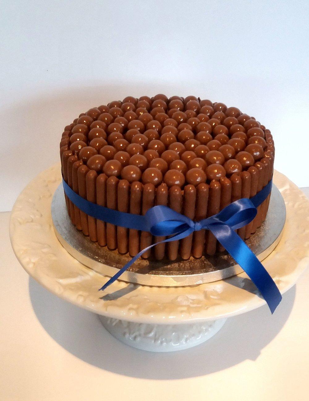 malteezer cake.jpg