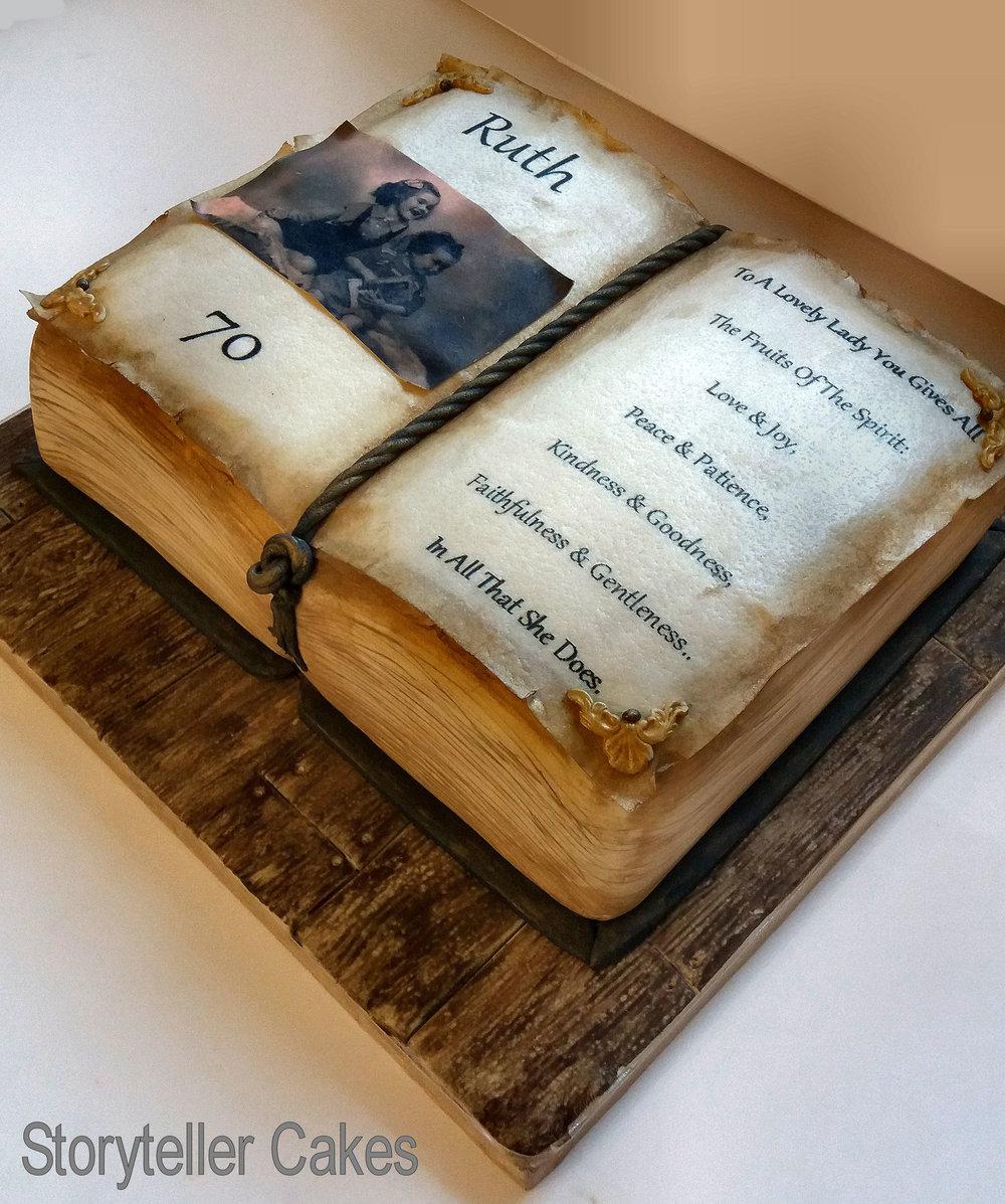 book cake 1.jpg