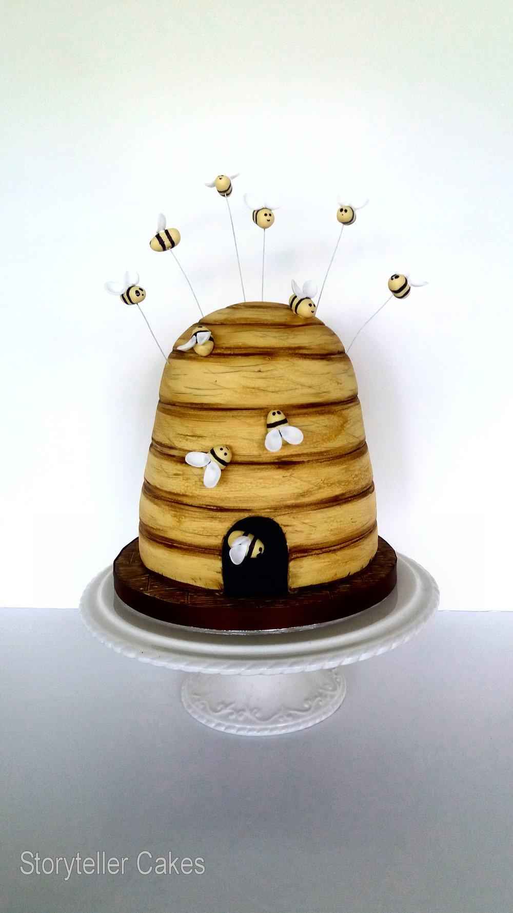bumble bee cake.jpg