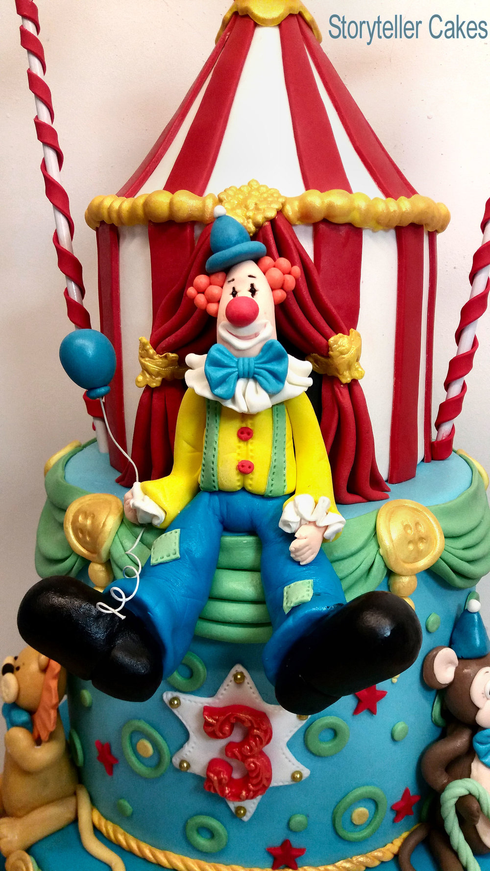 Circus Cake 2.jpg