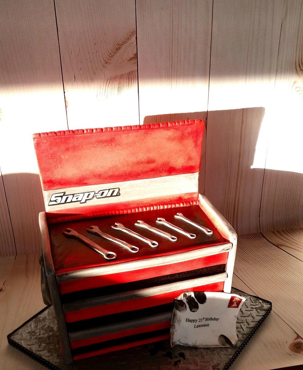 snapon tool box cake.jpg