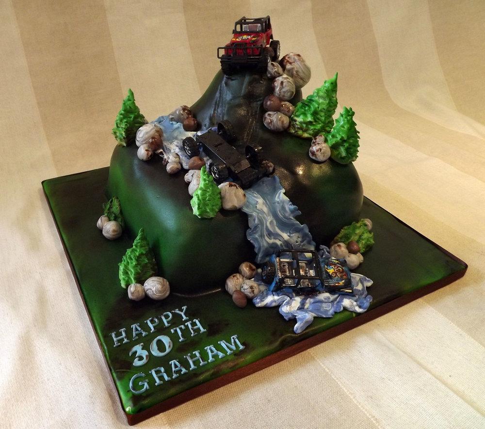 landrover cake.jpg