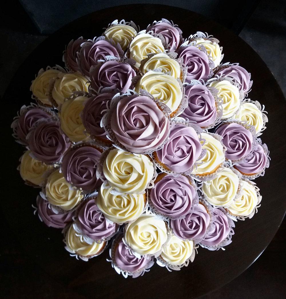 vintage cupcakes3.jpg