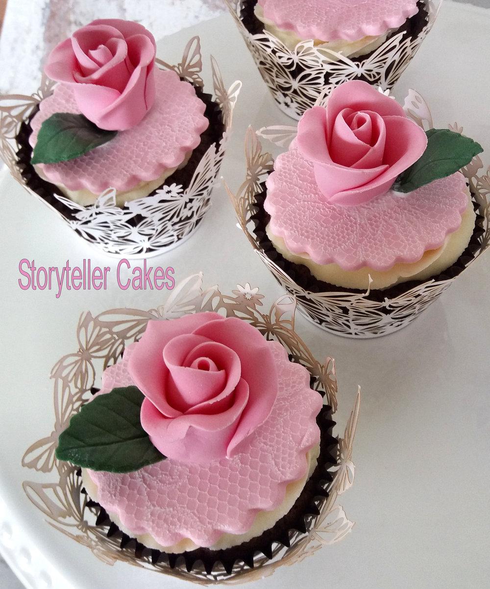 rose cupcakes4.jpg