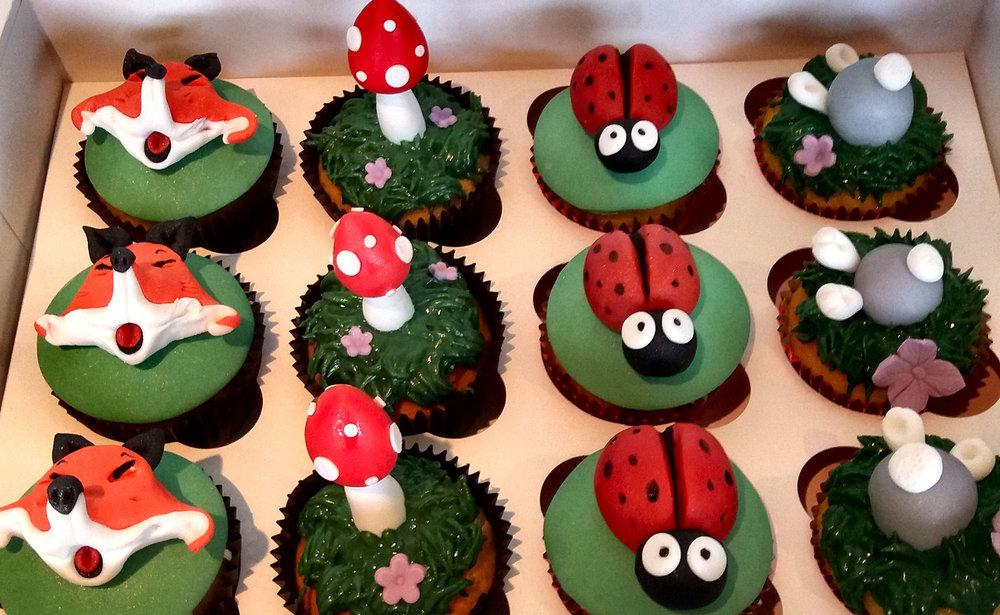 fox cupcakes.jpg