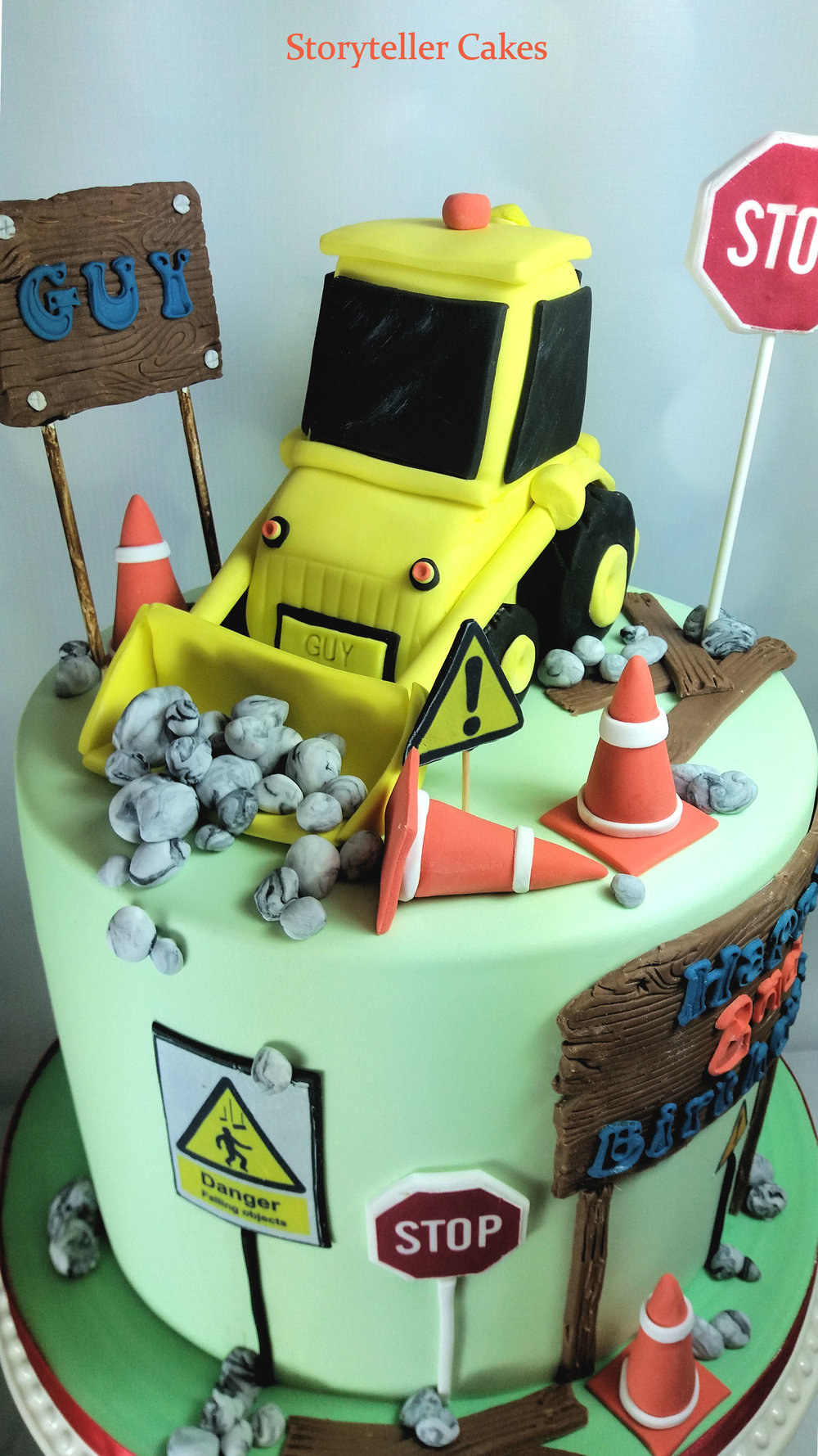 Boys Digger Birthday Cake 2.jpg