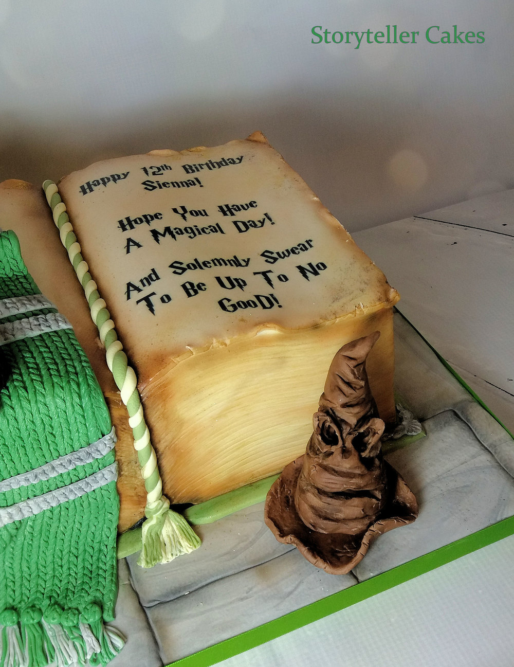 Harry Potter Book Cake 2.jpg