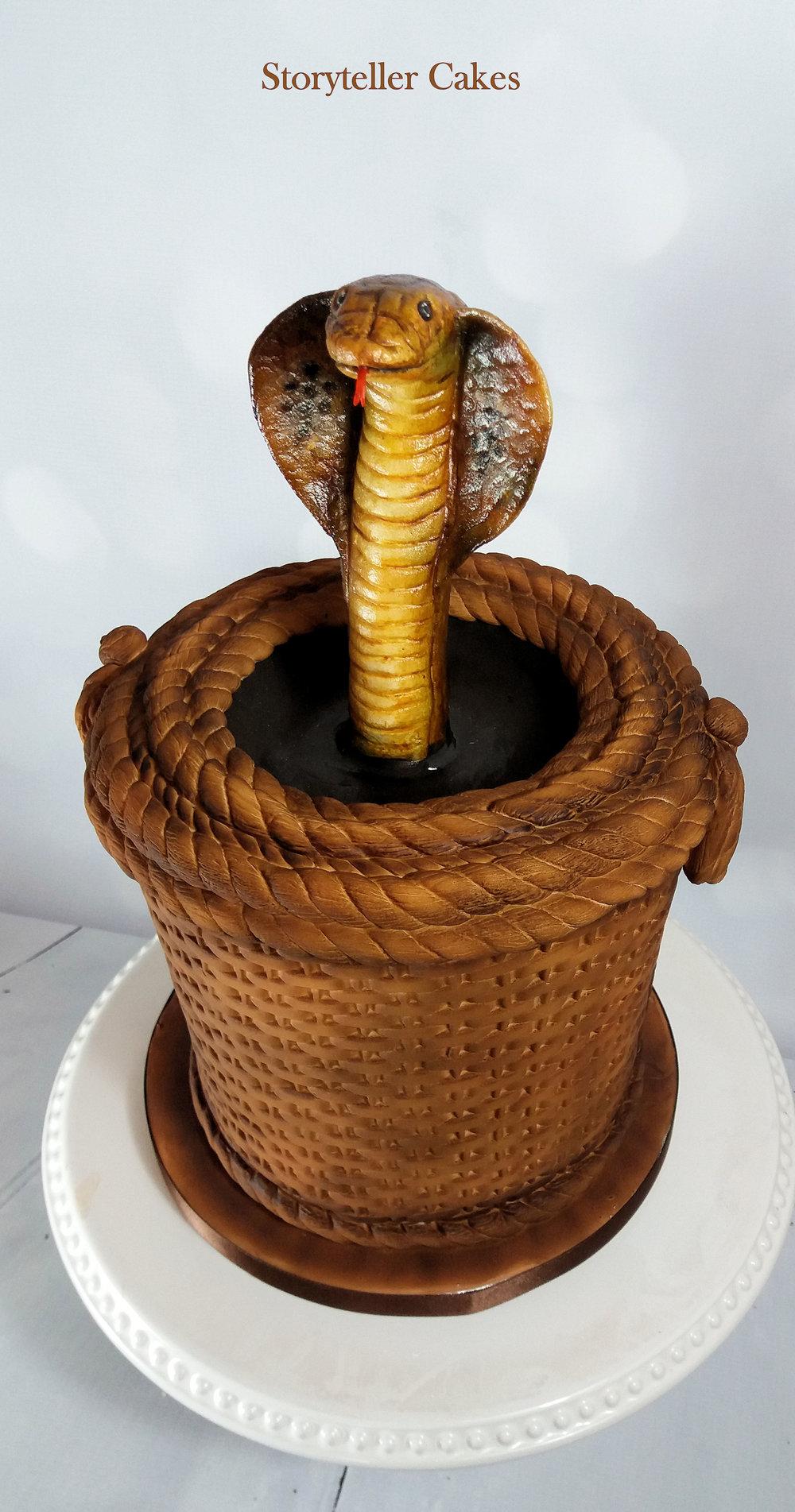 Snake Cake 1.jpg