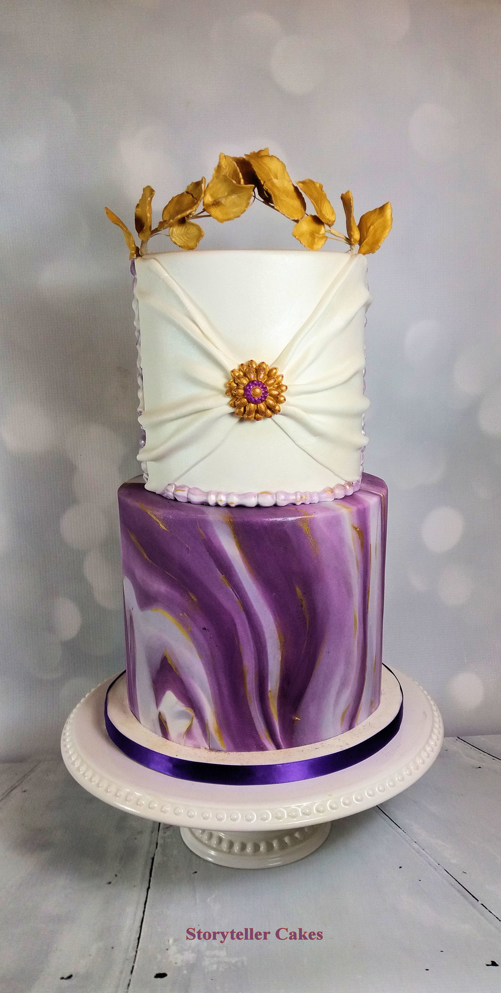 Purple and gold marble grecian cake 2.jpg