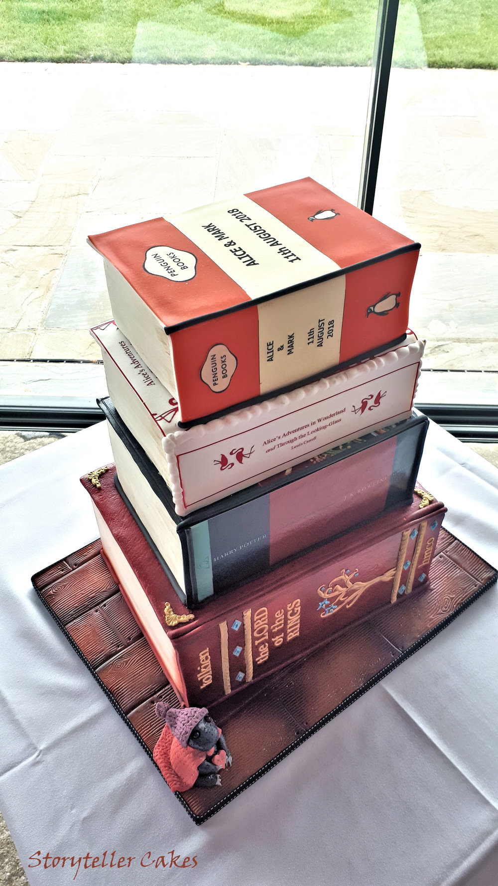 Book Wedding Cake 1.jpg