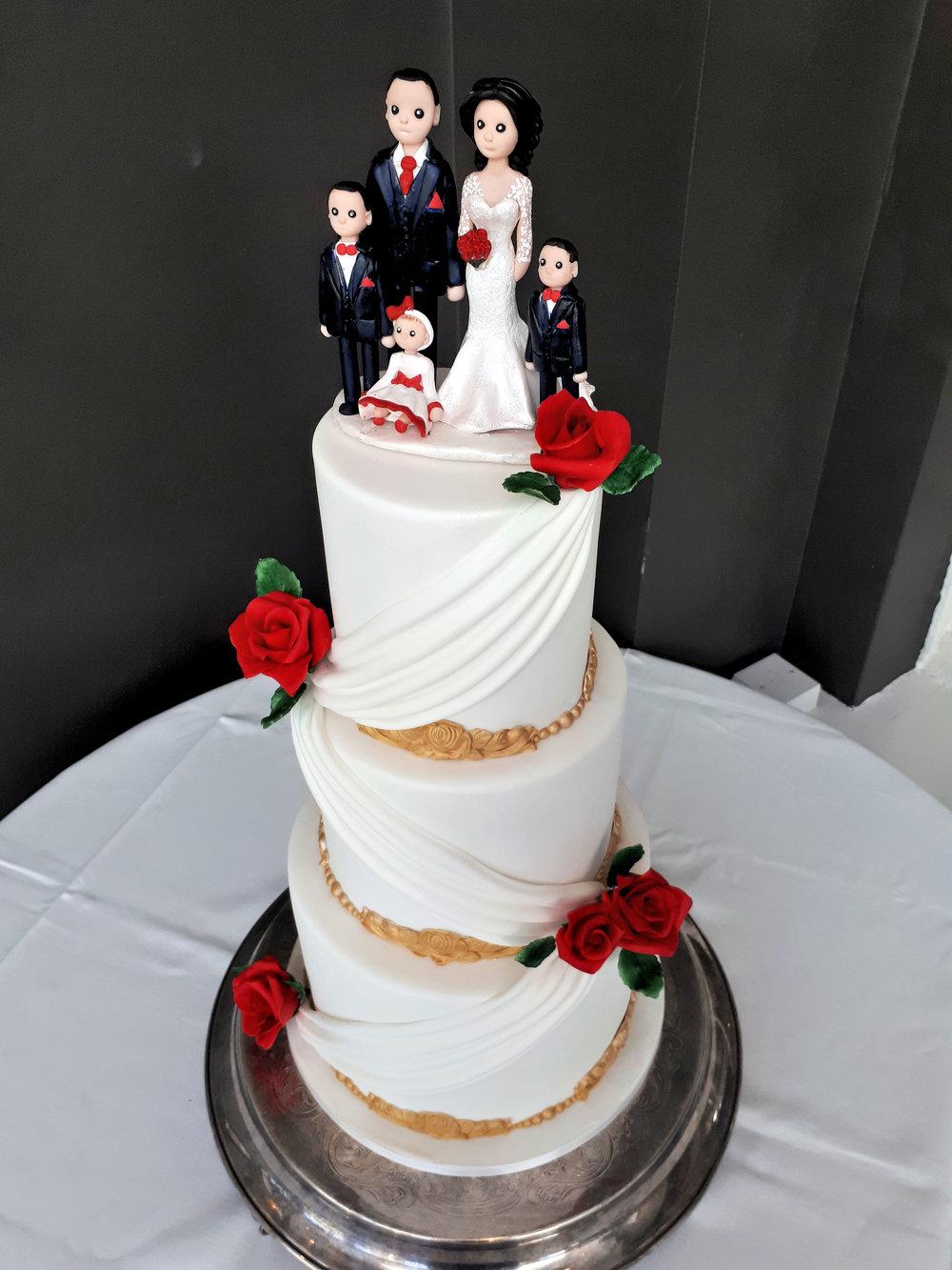 Grecian White & Gold Wedding Cake 2.jpg