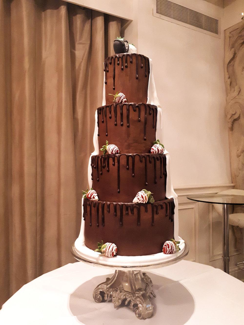 Half and half wedding cake 2.jpg