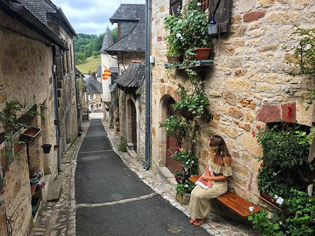 A French Fairytale 🌻