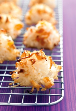 Coconut Apricot Macaroons