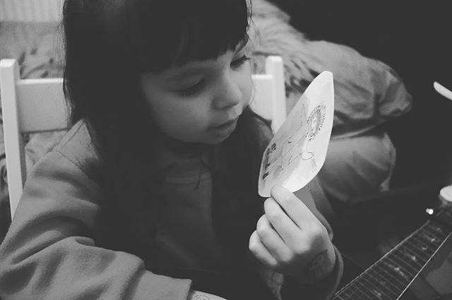 When Arya met her illustrated self! #illustration #illustrator #illustratorsoninstagram #art #Artist #artistic #artistsoninstagram #creative #sketch #sketchbook #book #kidlit #kidlitart #photography #photooftheday #instagood #instadaily