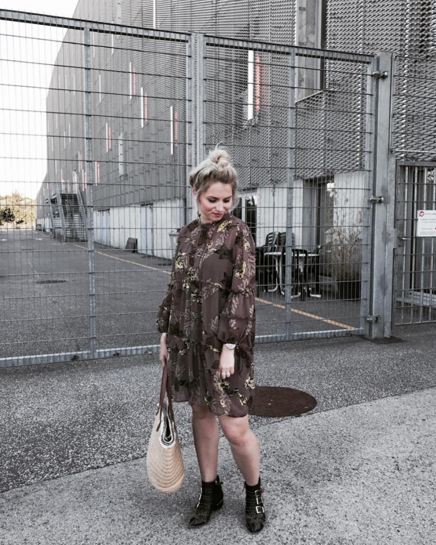 @opheliepoppie  sur Instagram, j'adore l'association robe/boots pas vous ?