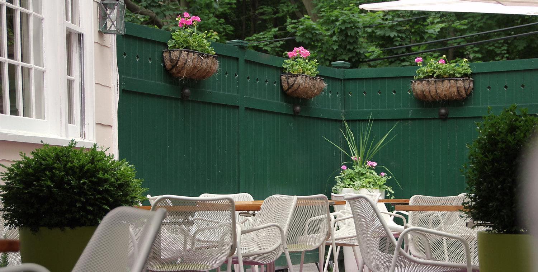 the basil leaf cafe and restaurant
