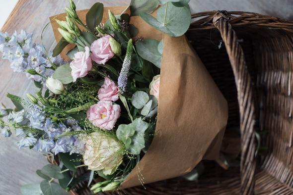 89-Petals-Flower-Subscription-Service-Sophie-Carefull-Photography-Web-66_86b0eed6-47a7-4ff5-84b6-ecb239ab155a_590x.jpg