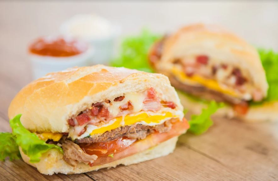 LANCHES -