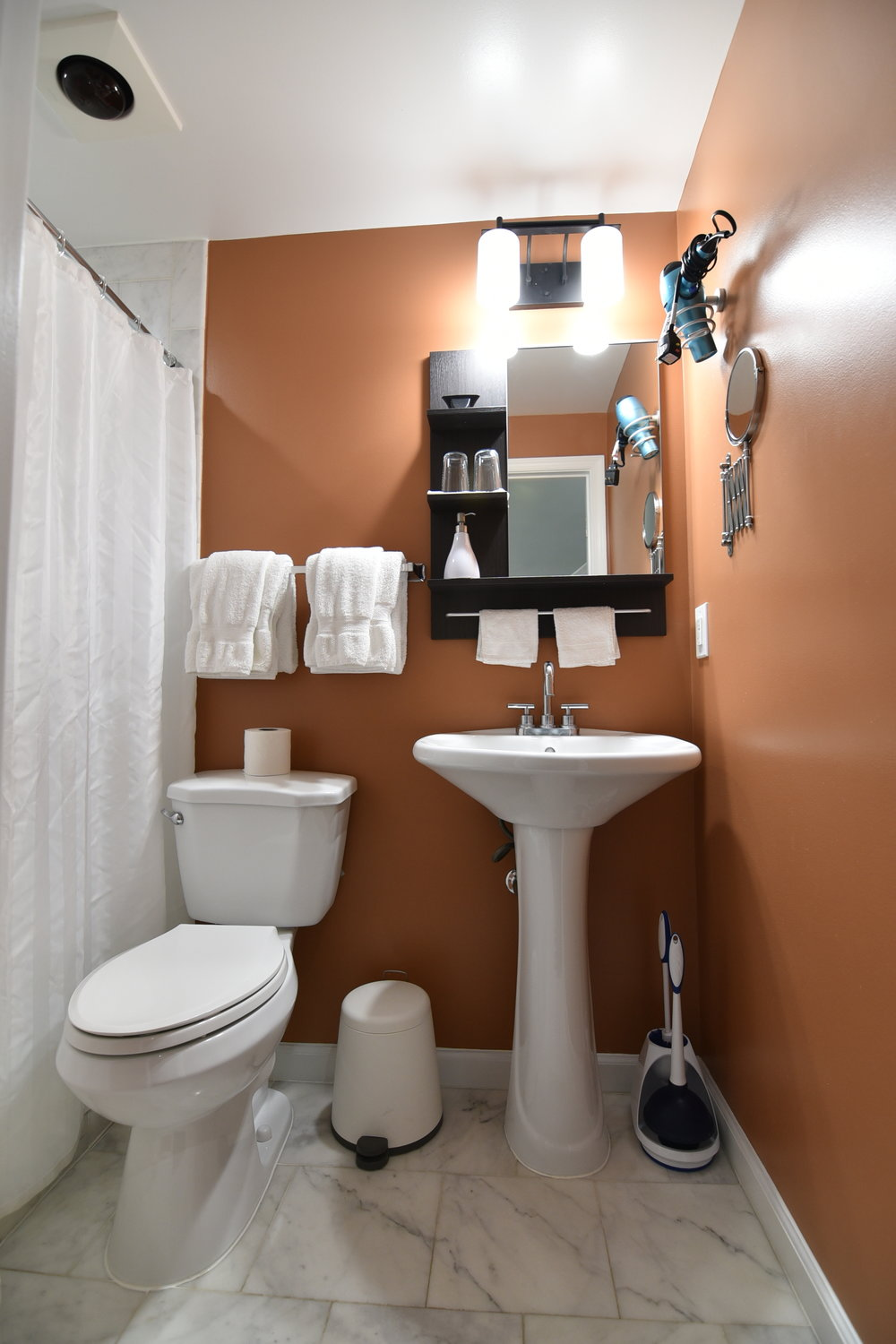 6.Bathroom.JPG