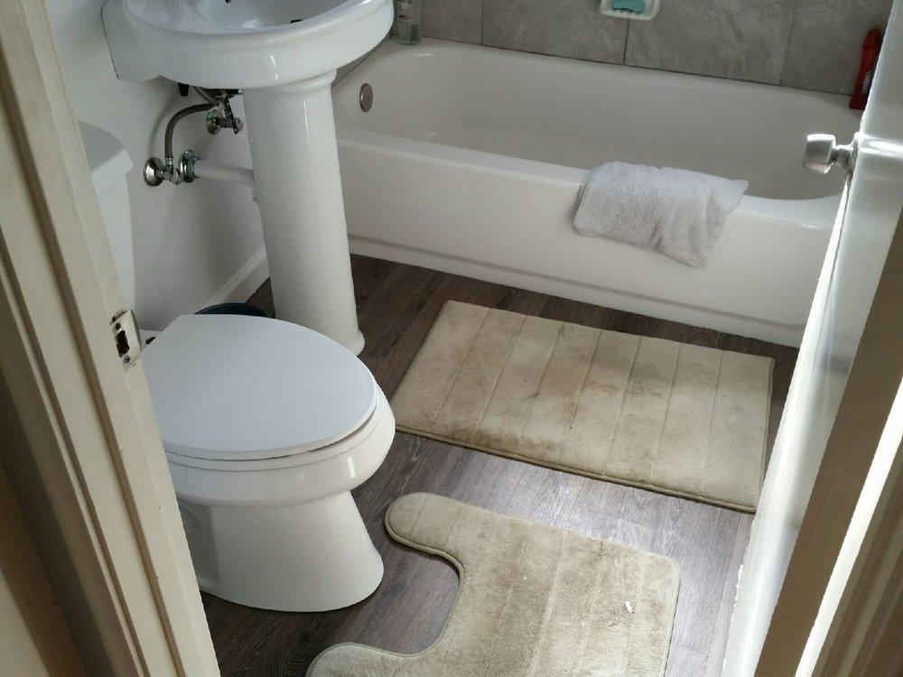 La Grande Bathroom remodel.JPG