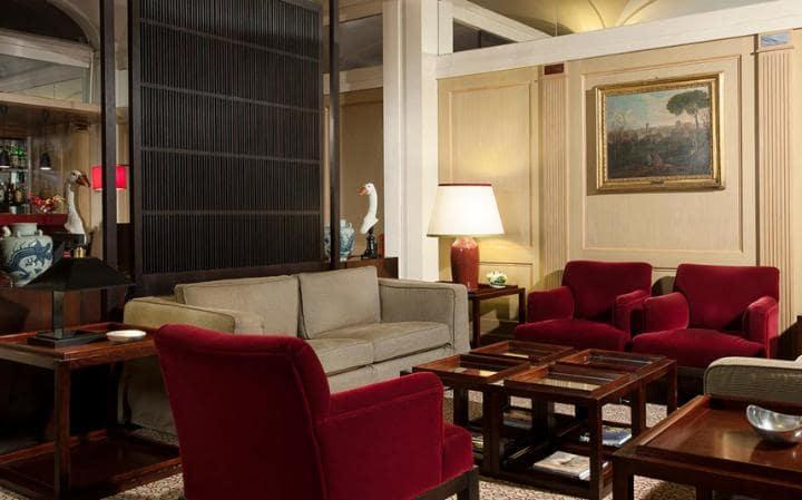Hotel dei Borgognoni, Telegraph Expert Rating 7/10