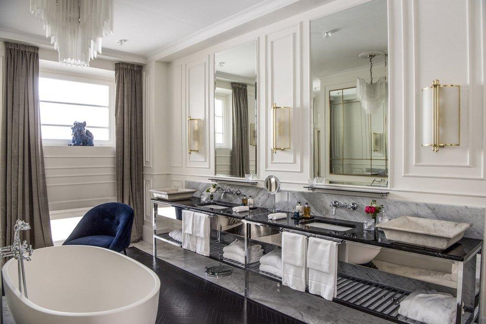 Hotel-Vilon-Rome-Borghese-Suite-Bathroom.jpg.1200x800_q85.jpg