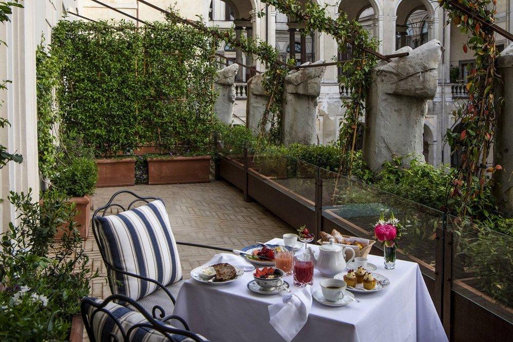 Hotel-Vilon-garden-terrace-1.jpg.1200x800_q85.jpg