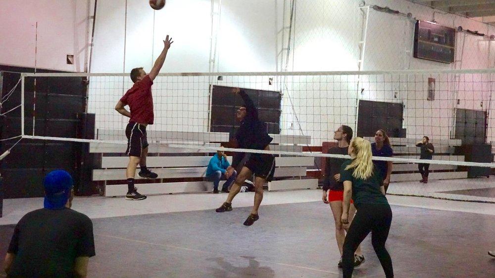 indoorvballpic.jpg