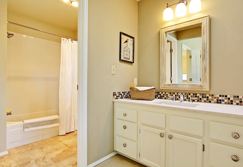 Canfield-master-bath-800 (1).jpg