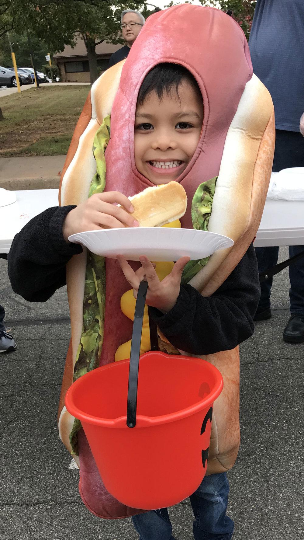 Hotdog-kid.jpg