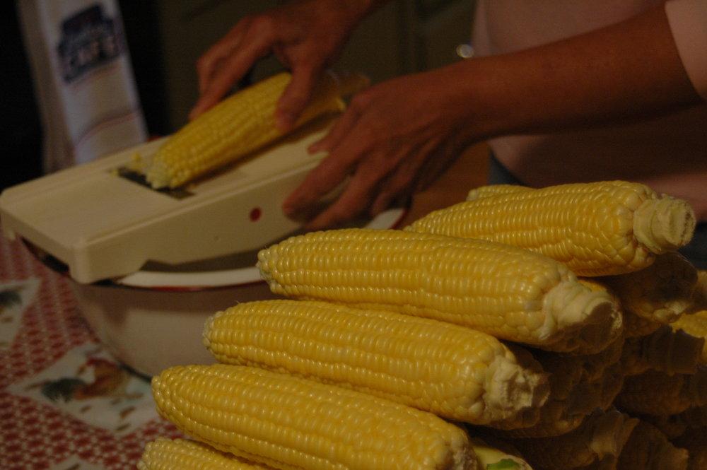 Putting up corn 08-13 (9).JPG