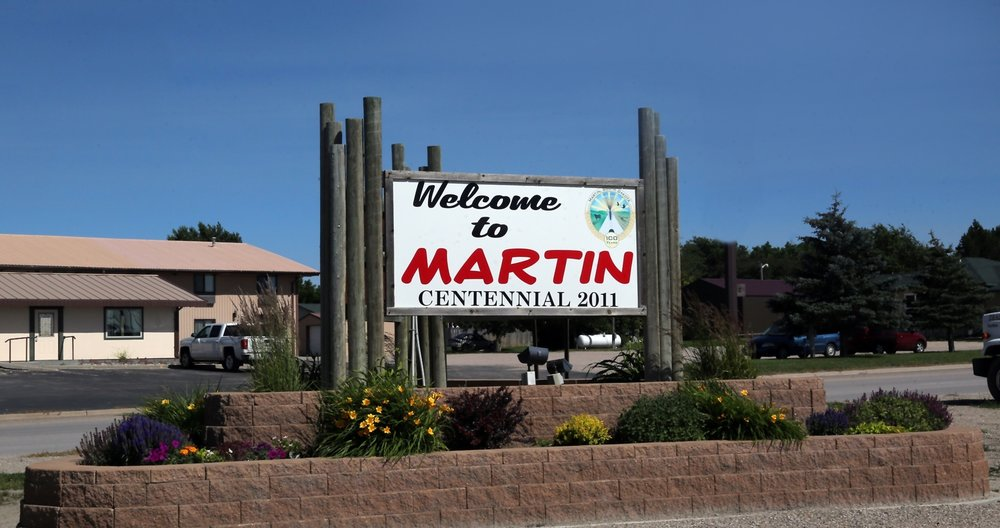 Martin-welcome-sign-w_flowers8934.jpg