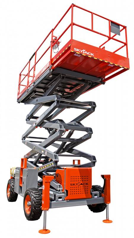 Skyjack 7135 Rough Terrain Scissor Lift