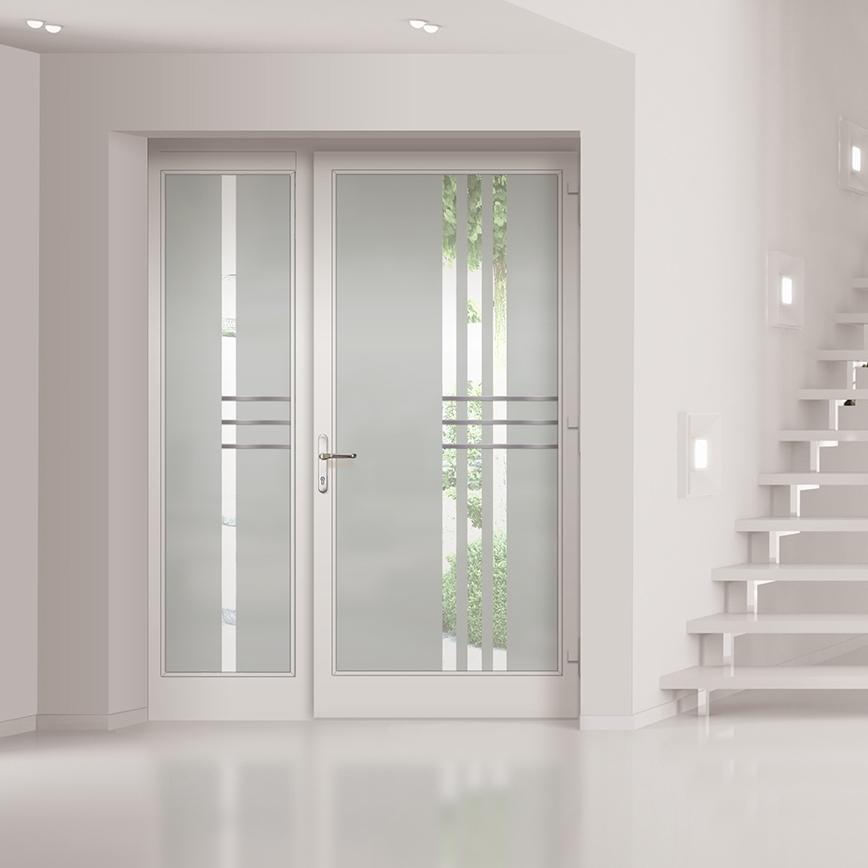 SERIE GLAS - Moderne, teils extravagante Ganzglas-Türfüllungen machen diese Aluminiumtüren zu einem wirklichen Blickfang.