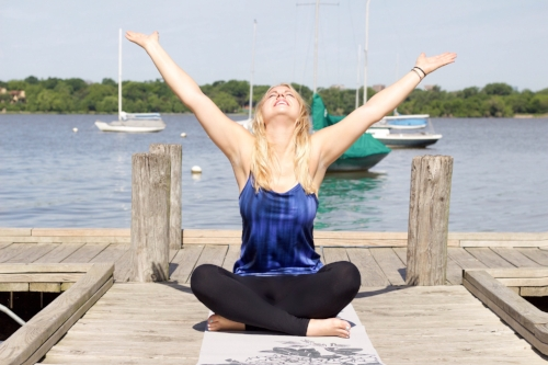 White Rock Lake in Dallas, TX is a beautiful outdoor venue for therapeutic walking & yoga