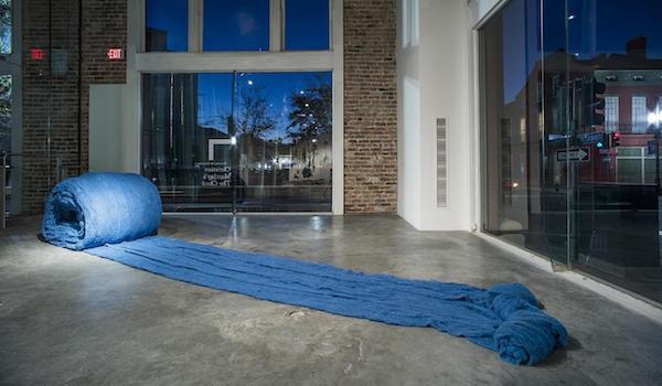 Caracol Azul (Blue Snail), 2017, Cecilia Vicuña