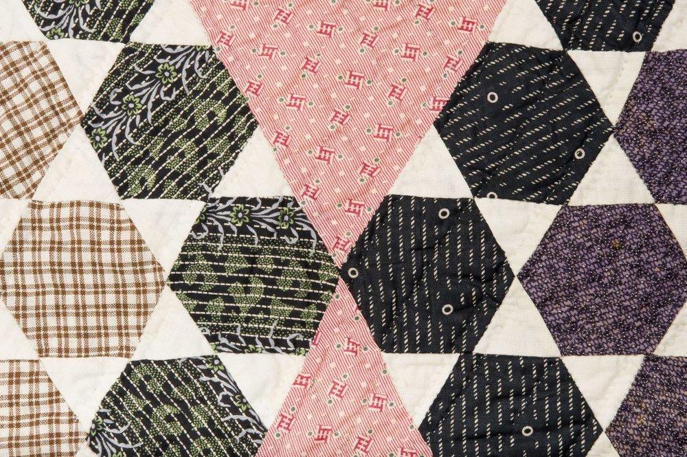 hexagonal quilt 1880s usa.jpg