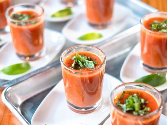 Start off our next #VeganNightSD with a cool and refreshing Gazpacho, blended with fresh tomatoes, cucumbers, red bell peppers, jalapeño, and more! 🍅🥒🌶 ⠀⠀⠀⠀⠀⠀⠀⠀⠀ Head to VeganNightSD.com to learn more about our next Vegan Night! 🌱🎟