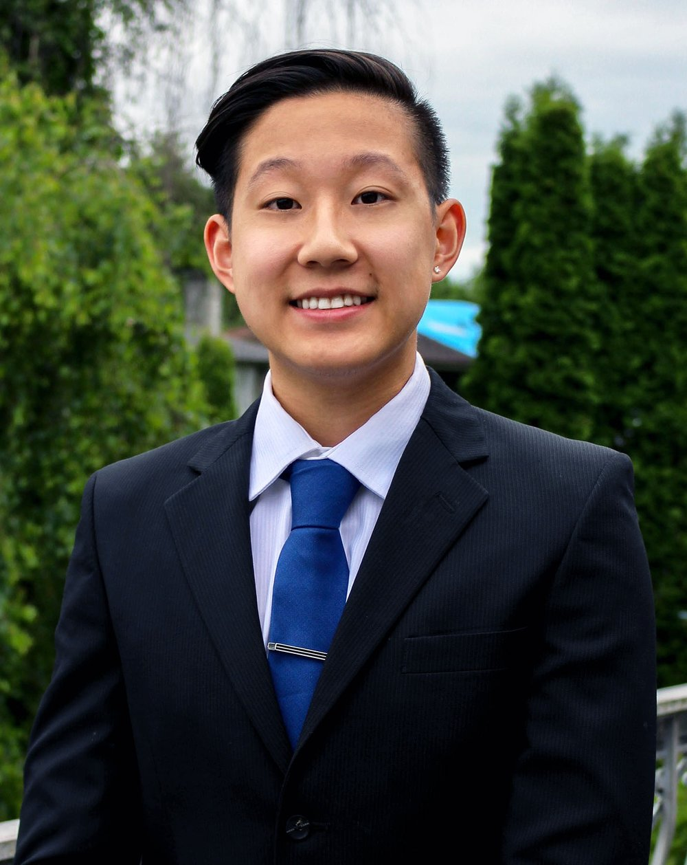 George Li Position: Corporate Relations Coordinator Year: 2 Concentration: MIS and Finance One Emoji that describes you and why: 🐵 describes me because I'm always curious What are you excited to do you in your term? I'm excited to have more practice talking to industry professionals/networking and to be more involved in BASS events.