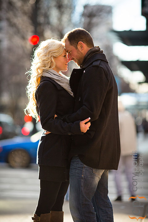 Seattle-engagement-portraits-at-Paramount-003