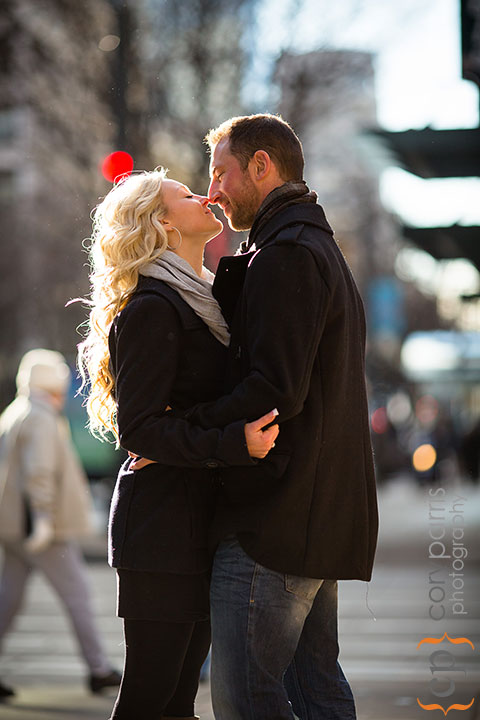 Seattle-engagement-portraits-at-Paramount-004