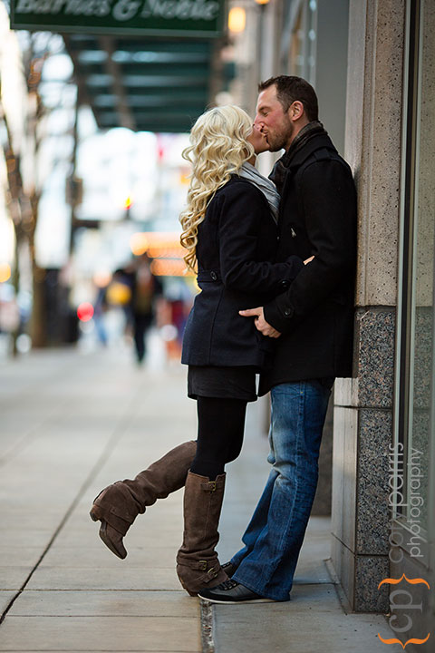 Seattle-engagement-portraits-at-Paramount-006