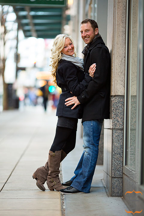 Seattle-engagement-portraits-at-Paramount-007
