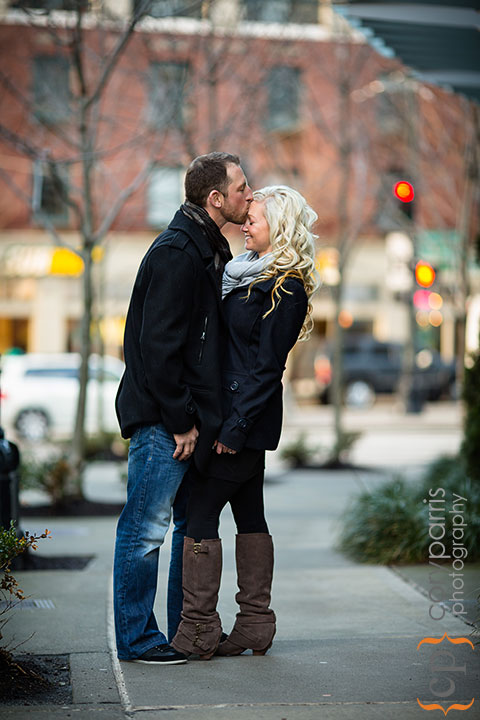 Seattle-engagement-portraits-at-Paramount-010